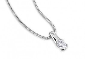 Phoenix Cut™ Rub-over pendant with chain