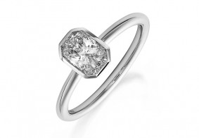 Phoenix Cut™ Rubover single stone ring