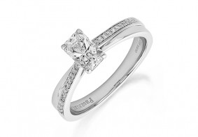Single stone Phoenix Cut™ with brilliant cut diamonds entwined shoulder rings
